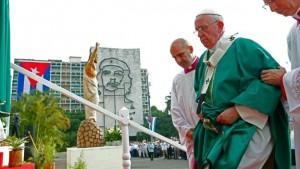 afp-papa-francisco-jesucristo-che-guevara-plaza-revolucion