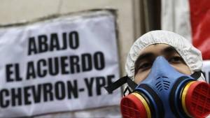Denuncias-clausulas-Chevron-YPF-Reuters_CLAIMA20141110_0106_27