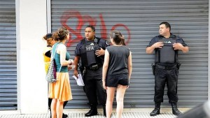 Agentes-Policia-DNI-DIEGO-WALDMANN_CLAIMA20160107_0002_28